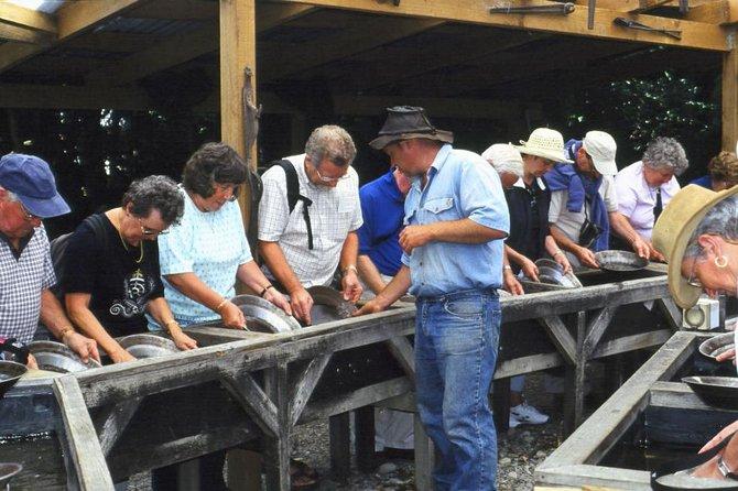 Explore Shantytown Heritage Park & Gold Panning, Greymouth, NOVA ZELÂNDIA