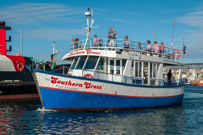 A scenic guided harbour cruise aboard Waterfront Charters sturdy Southern Cross boat through the working harbour of Cape Town. <br><br>With close up views of seals and ships and the unequalled sights of the iconic V&A Waterfront, Cape Town, it's a trip ideal for visitors, school groups or anybody who would like a quick introduction to the city and the Waterfront.