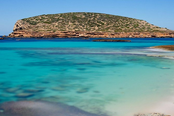 MoÃ«t & Chandon beach tour, water mat, swimming snorkeling, beach and caves, Ibiza, ESPAÑA