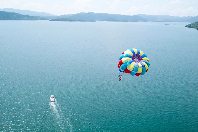 Spice up your vacation in Coron, Palawan as you experience gliding to the air when you avail this parasailing tour. This tour is perfect for adrenaline-junkies wanting to experience an exciting activity on the island of Coron.