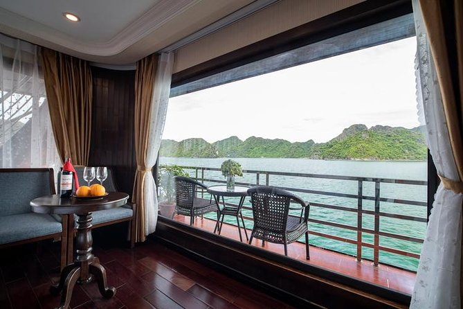 Paquete turístico combinado Halong - Hanoi - Sapa con servicio de 4 estrellas 4 días / 4 noches, ,