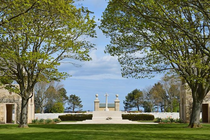 Private guided Canadian D-Day Tour from Bayeux, Bayeux, FRANCIA