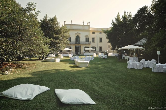 Wine Tasting Experience and Guided Tour at Villa Mosconi Bertani in Verona, Verona, Itália