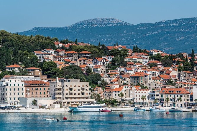 Enjoy a hassle-free arrival in Split with our private transfer service. Meet your driver wherever you wish and relax on the journey to your desired destination.<br> Benefit from our private transfer from Makarska to Split with our experienced local driver who will make sure you enjoy a stress-free transport. You will travel comfortably with a reliable driver who speaks English and has a good knowledge of the area. So you also have an informed guide who can tell you about history, culture, traditions, attractions or recommend you the best places to visit including local restaurants, pubs or hidden gems.<br> Our experienced local driver always has your safety and comfort in mind. From the beginning of the trip, when he picks you up in Makarska at your desired time and takes care of your luggage, until the end of your journey in your chosen location in Split. The only thing you need to do is relax while being taken care of.<br>