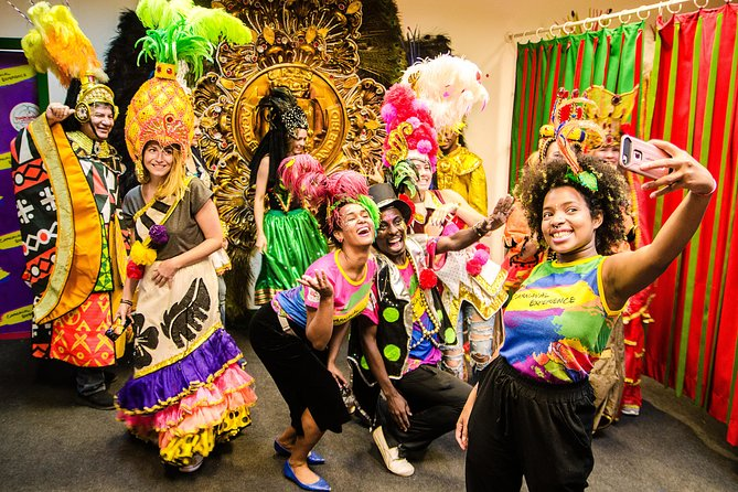 MAIS FOTOS, Explore the backstage of rio's carnival and samba