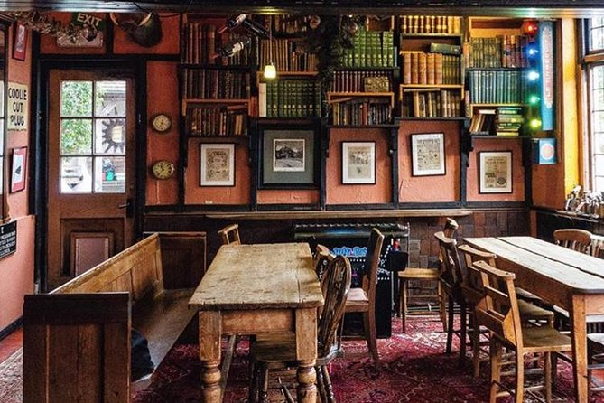 Discover Winchester's Traditional Pubs with a Local, ,