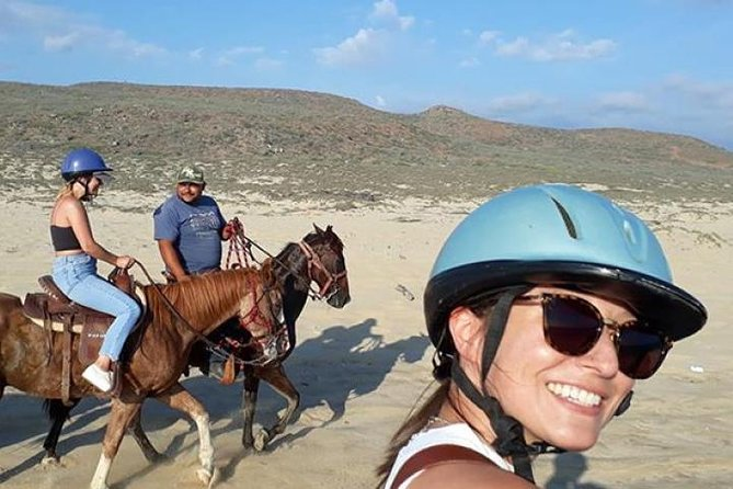 MAIS FOTOS, Horseback riding