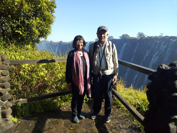This is a tour of the falls in Zimbabwe. See the Victoria Falls from the best spots in the company of an experienced guide, the Victoria falls rain forest.