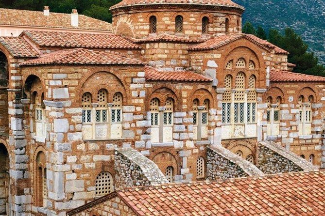 A private tour which combines both the mystical feeling of Delphi and the religious importance of Osios Loukas!