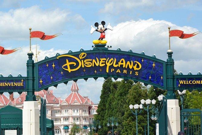 Disneyland Paris Private Transfer to Paris City in Luxury Van, Marne-la-Vallee, FRANCIA