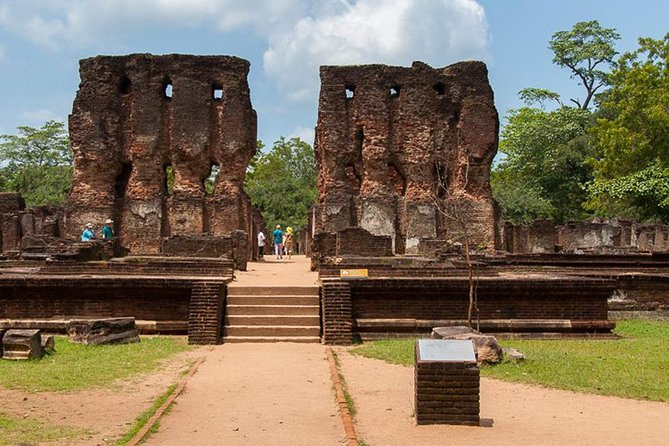 Polonnaruwa Sacred City tour by tuk-tuk, Batticaloa, Sri Lanka