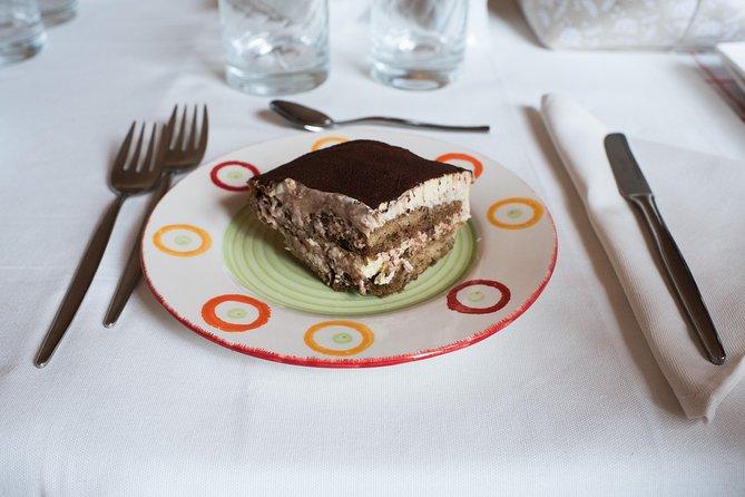 Private Pasta & Tiramisu Class at a Cesarina's home with tasting: Ascoli Piceno, Ascoli Piceno, Itália