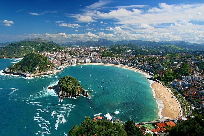 Enjoy this completely personalized private tour of San Sebastian and enjoy their most important monuments and sights. Take this opportunity to get to know the San Sebastian in this experience with your own private official tour guide and private vehicle with chauffeur. Get to personalize your own experience.