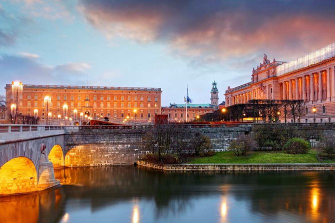Beautiful Stockholm is Sweden's largest city and one of Europe's most charming capitals. With historic architecture, a vibrant arts scene, delicious culinary offerings of all kinds, and famously friendly people, Stockholm really is a must-visit for urban travelers from around the world.
