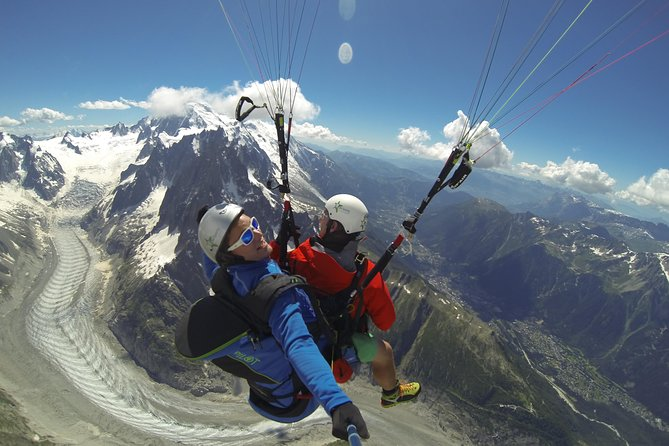 Paragliding is one of the best things to do in Chamonix. Enjoy a paragliding tandem flight over the Alps. You will fly up to 30 minutes just in front of the Mont-Blanc. This flight is the perfect way to get introduced to paragliding. While flying, you can admire the wonderful and unique views over the Alps and their summits. Your pilot will ask you to try yourself to fly the parapente.<br><br>Thanks to our professional instructors, you will be able to do this activity safely. All our instructors hold official french paragliding teacher certificate, and subscribe to a full insurance, valid for you and for them.