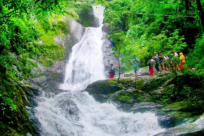 ¨Unique¨ in Costa Rica. Nowhere else you will enjoy a 25 Zipline cables over 11 waterfalls, which makes this activity an unforgettable experience to take back home. Also you will experience 2 lines of rappels and a hanging bridge with a swimming in a spring water mountain pool. <br>At Adventure Park Hotel Vista Golfo your vacation should be full of positive emotions, fun, and unforgettable adventures.