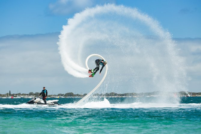 Make the most of a day at Tanjung Benoa, a beach in the heart of Bali, with the water sport activities. From a thrilling jet ski experience to snorkeling, this package keeps you entertained throughout the day and many more. Take the opportunity to have fun in Bali with a package of your choice.<br>
