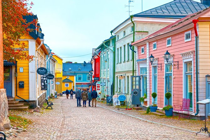 This 7-hour Helsinki sightseeing tour departing from your cruise port will cover the top attractions in the city, but also includes a visit to Porvoo, the second oldest town in Finland, which has become a magnet for many artists. This is a great tour for people interested in a glimpse into the more rural lifestyle that many in Finland love. Lunch is included on this excursion as is some free time for shopping.