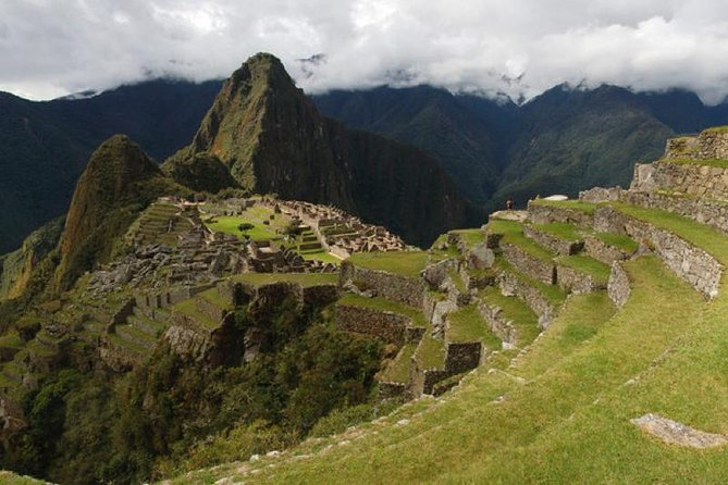 Visit the imposing Machu Picchu and combine your adventure with the visit to the Mountain of 7 Colors.<br>- Our adventure consists of five days and four nights where we will visit the main attractions of Cusco.<br>- We will also visit the mysterious Inca Llaqta of Machu Picchu.<br>- Then we will ascend to see the Mountain of 7 colors, to finally ascend and marvel at the Humantay Lagoon.