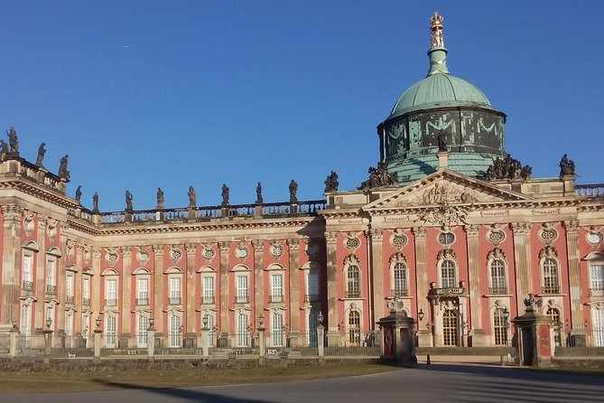If you love palaces you will be spoilt for choice! How many palaces Potsdam has per inhabitant in Germany? You will be pleasantly surprised! Together with your professional local guide, you will discover the historic inner city. You will visit impressive Old Town on the way to the garden Sanssouci. What the Sanssouci Palace is famous for? You will experience the huge expansion of the garden with numerous historical buildings and a relaxed walk between them. Discover the best of Potsdam with the local guide!