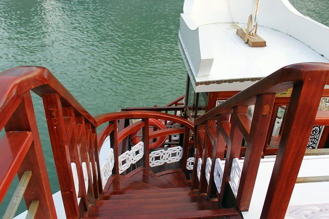 3-Day Cruise Relaxing and Kayaking on Halong Bay from Hanoi, Halong Bay, VIETNAM