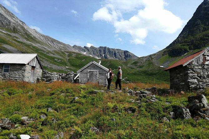 1 Day Hidden Fjord Hiking Trip, Orsta, NORUEGA