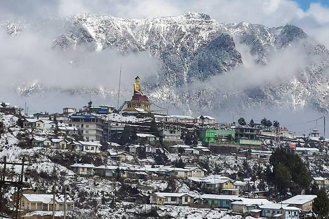 This well crafted tour to Tawang region of Arunachal Pradesh offers tourists to explore and enjoy the scenic beauty of the Eastern Himalayas. It also gives a chance to witness and understand the rich culture of the Monpa tribal people who practice the Mahayana sect of Buddhism originated from Tibet. Not only this, but one can also experience the real wilderness of the rain-forests at Nameri and the divine spirituality on the lap of Goddess kamakhya.<br>Everything comes at a very affordable cost