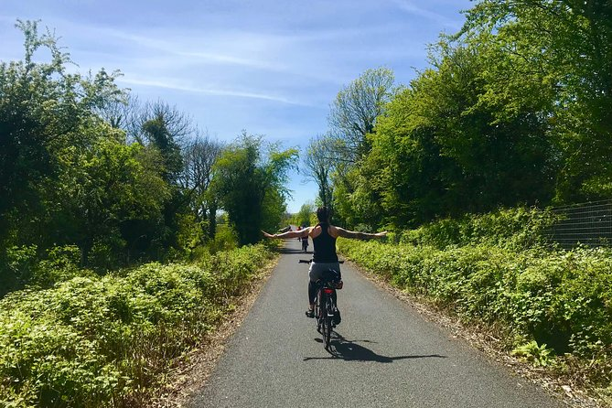 Explore Ireland's Ancient Easts Greenway Cycling tour in Waterford. Travel into rural Ireland and enjoy panoramic views over the Emerald Isle's spectacular countryside. Experience the 46km off road trail along an old railway line which travels through time and nature across eleven bridges, three tall viaducts and an atmospheric tunnel.<br><br>