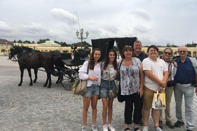 Small-Group Schönbrunn Palace Half-Day Tour with a Historian Guide, Viena, AUSTRIA