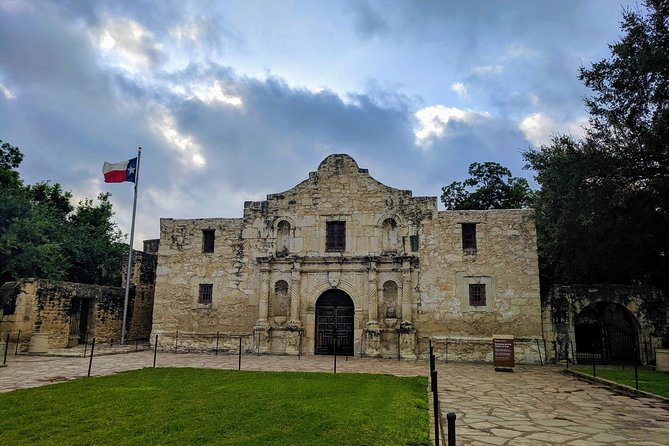 Our main 2-3 hour tour of the major historic attractions of San Antonio.This tour offers visits to the Alamo, Mission San Jose, Mission Concepcion, King William, San Fernando Cathedral, and Market Square. Flexible options available upon request