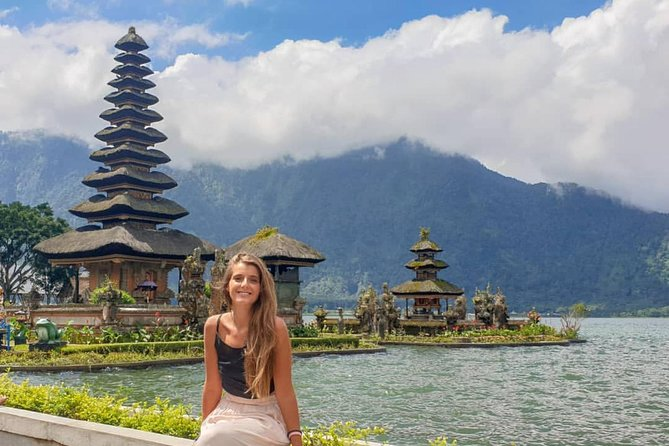 This Bali private day tour will visiting some of Bali's great natural attractions at northern and west part of Bali. Here are the option to choose:<br><br>1. Full Tour: Banyumala Waterfall, Jatiluwih Rice Terraces a UNESCO World Heritage, Taman Ayun and Ulundanu Beratan temples.<br><br>2. Shorter Tour: Jatiluwih Rice Terraces a UNESCO World Heritage, Ulundanu Beratan temples, and Tanah Lot Temple.<br><br>This is the best choice for you who looking for: Bali Tour, North Bali Tour, Ulundanu Temple, Tanah Lot Temple.