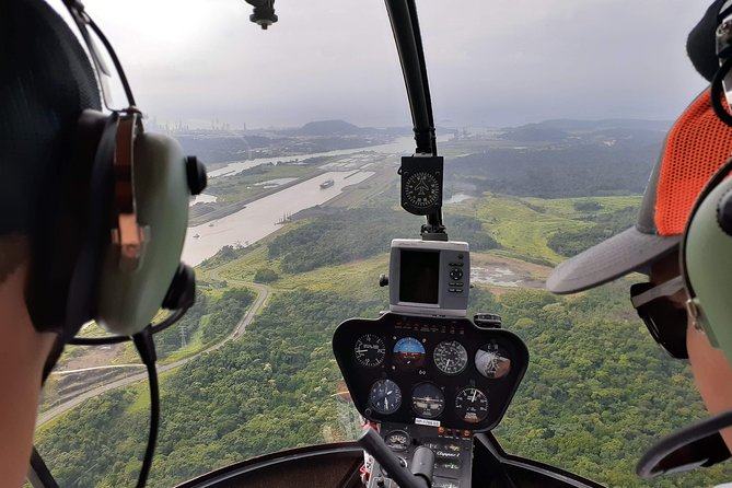 MAIS FOTOS, Canal of Panama by Helicopter