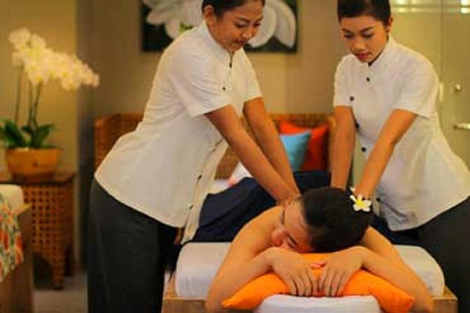 relaxing Fourhand Massage treatment is perfect to relieve the stiffness of your muscle after the tiring Bali tours.While indulging yourself to enjoy their signature massage .we provide you a few spa choice of Four hand Massage treatment from 90 minutes up to 2 hours in Bali island , you can choose the most you prefer spa shop and the most closer to your hotel stay . Enjoy the relaxing touch of your therapist while getting impressed by the choose from one of our customised blends of essential oils for your body massage and your surroundings. Get the feeling of being in the fragrance of your well thought out spa room<br><br>