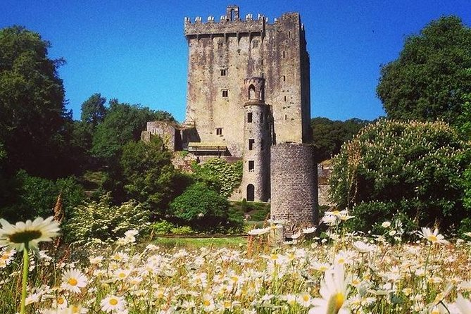 Join a fabulous trip to the famous Blarney Castle as on your way, you'll enjoy a panoramic drive of Cork city together with some stunning Irish countryside while your professional English speaking guide will give you some information about the local most meaningful sights.<br><br>**IMPORTANT**<br>Please be advised that kissing the Blarney Stone is not guaranteed.