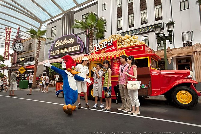 Experience a day of superstardom with red carpet treatment on this VIP tour of Universal Studios Singapore®. A trained guide will escort your party through the theme park and grant you VIP access to at least eight attractions during your 5-hour tour. Enjoy all-day admission to the park with priority access to rides and shows before or after your guided tour so you don't have to wait in line! Benefits include light refreshments, a lunch voucher and a private photo session with selected Universal Studios Singapore characters, plus a one-way private transfer to the studio.<br><br>Please take note: <br>From 8th February 2020 to 6th March 2020, the operating hours for Universal Studios Singapore and S.E.A. Aquarium will be from 10am to 6pm daily.