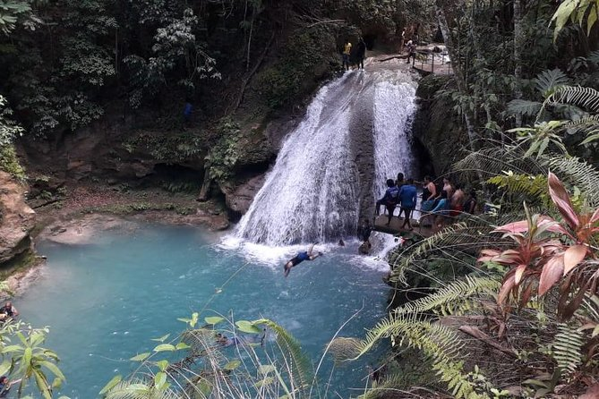 You will get to visit two of the most exciting attractions in Jamaica within 4 hours. <br> (All Entry Fees Included). You will be greeted by the most experienced, courteous and friendly driver/tourguide. You will also be transported in a clean, luxurious and air conditioned vehicle assigned to you for the duration of the tour. Participants will need watershoes (available for purchase/rental at the different attractions), beach towels and swimwear.