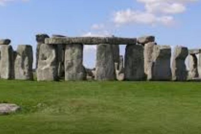 We are a bespoke tour company based in amesbury, wiltshire. We 'circle tours' are a tour company like no other. A tour where you can relax. Our professional driver will collect you/your party in our air conditioning vehicle from the agreed location. Take you/your party on your bespoke tour of your choice. No rushing for buses or fighting for a seat. Once the tour is completed we will take you to your preferred location. We try to make your experience special and stress free.