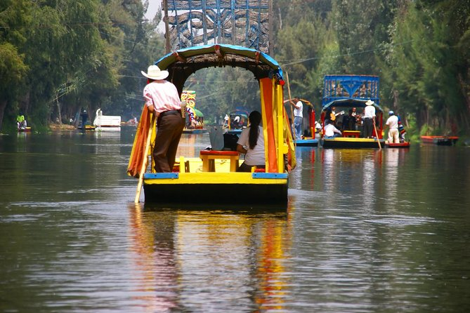 MAIS FOTOS, The Floating Flower Gardens Of Xochimilco with a Local: Private & Personalized