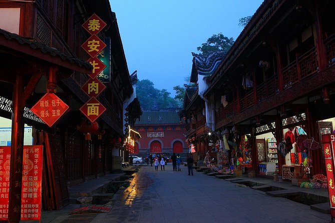 Private Jinan Yaoqiang Airport Arrival Transfer to City Hotels, Jinan, CHINA