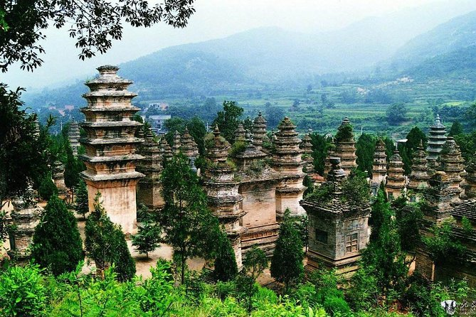 2-Day In-depth Shaolin Temple Discovery Tour from Jinan with Accommodation, Jinan, CHINA