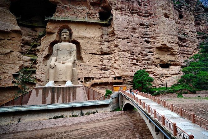 Join this private day tour from Lanzhou to visit Liujia Gorge and Binglingsi Grottoes. Enjoy amazing view of the Liujia Gorge, Yellow river and surrounding mountains. Take the boat cruise to discover the UNESCO site of Bingling Temple, stroll around the grottoes with your tour guide, get to know its history ,value and meaning. This private one day tour including English speaking tour guide, entrance fee, boat cruise, local lunch, private car and Lanzhou city hotel pick up an drop off.