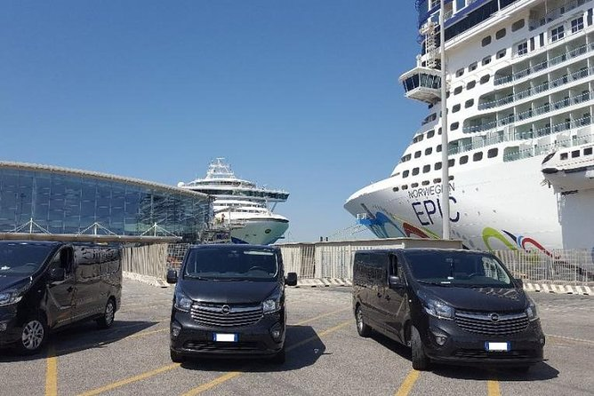 We arrange your cruise port transfer, get your english speaking driver in a comfortable, new and fully air-conditioned van. Customizable on your needs.<br>Convenient, secure and reliable service.<br>WE ARE AUTHORIZED TO ENTER THE PORT BY THE PORTUAL AUTHORITIES<br>
