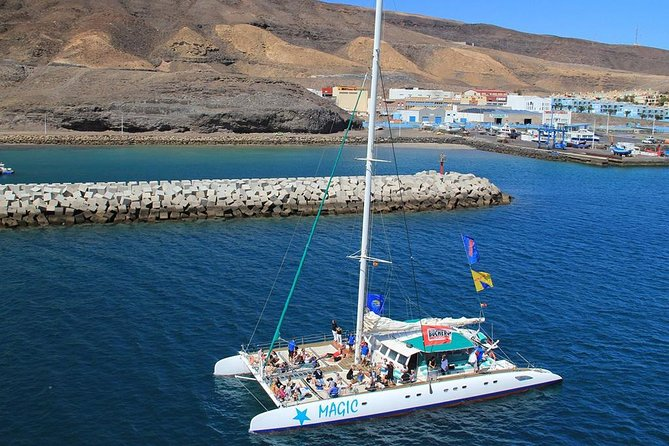Take part in an excursion on the largest sailing catamaran in Fuerteventura and enjoy an unforgettable day at sea.