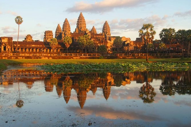 Angkor Wat Tour 2 Days 1 Night from Bangkok, Siem Reap, CAMBOYA
