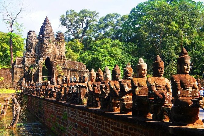 Angkor Wat Tour 2 Days 1 Night from Bangkok, Siem Reap, Camboja