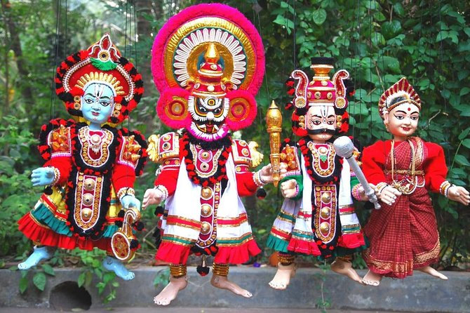 Background of puppetry<br>Yakshagana puppetry has existed for centuries. The modern form of the art, however, was largely molded by the brothers Laxman, Narasimha, and Manjappa Kamath; who hailed from Uppinakudru village, Kundapur taluk. Devanna Padmanabha Kamath, the grandson of Laxman Kamath infused new life into the art and performed shows all over India. Later, Kogga Devanna Kamath improved this subgenre even further, being recognized with the Tulsi Samman and Sangeet Natak Akademi Awards. His son, Bhaskar Kogga Kamath, is currently performing shows while training others in the art of Yakshagana puppetry. K. V. Ramesh is a leading puppeteer from Kasaragod. He leads the Yakshagana puppet troupe Shri Gopalakrishna Yakshagana Gombeyata Sangha.