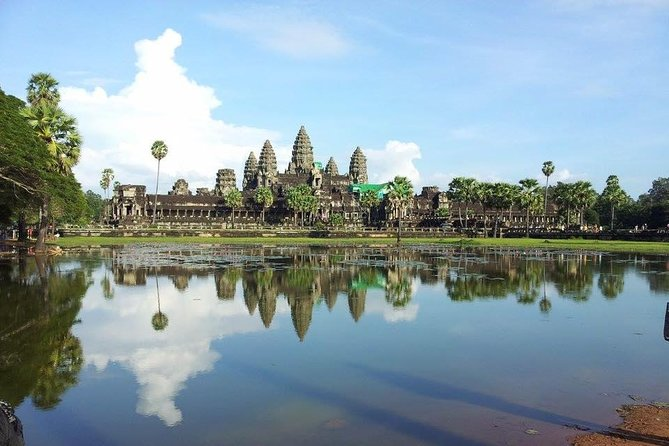 Explore Siem Reap 2 Days Private Tours is the best choice for your holiday in Siem Reap,  Cambodia to visit the world heritage site of UNESCO and the natural biosphere of the largest lake in south east Asia and it known as Tonle Sap and we selected the most highlighted to add in the tours itinerary as Angkor Wat, Angkor Thom , Bayon, Elephants Terrace, Ta Promh and watch sunset at the ancient temple of Angkor park at Pre Rup temple and another unique of the tours activities is to visit the floating village on the Tonle Sap Lake and go by cruise around the floating village.