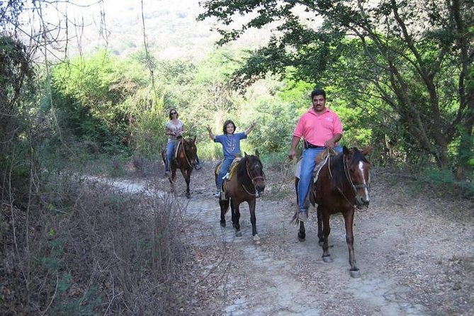 Horse Back Riding With Danitours Montain Rural Areas And Sand Beach, Manzanillo, MÉXICO