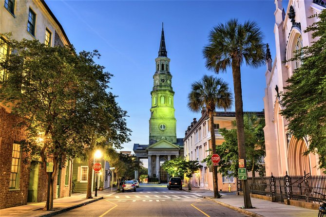 On this twilight tour, discover where spirits are reported to linger in downtown Charleston.  A licensed guide will regale you with spooky tales from Charleston's long history as you pass haunted alleys, graveyards, churches, hotels and even a dungeon!