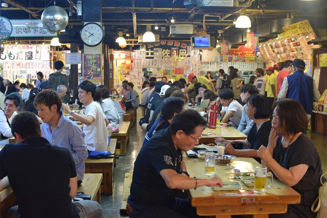 Let's explore center of Kochi city and enjoy local food.<br>We explore shopping street and visit Hirome ichiba which is one of the most famous market in Kochi.<br>During the tour, we will taste raw and seared bonito which is symbol food of Koachi, potato of tempura, sweet potato snacks, Japanese sake etc.
